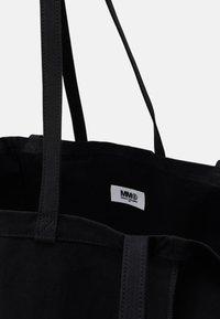 MM6 Maison Margiela - WASHED BERLIN BAG  - Tote bag - black - 3