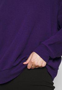 Weekday - HUGE CROPPED - Mikina - purple - 4
