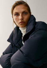 Massimo Dutti - MIT STEPPNÄHTEN  - Winter coat - dark blue - 3