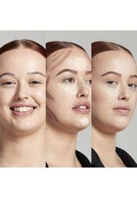 Nyx Professional Makeup - STICK - Contouring - 1 light - 2