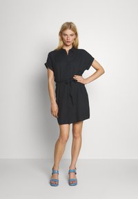 Vero Moda - VMSIMPLY EASY SHIRT DRESS - Skjortekjole - black - 0