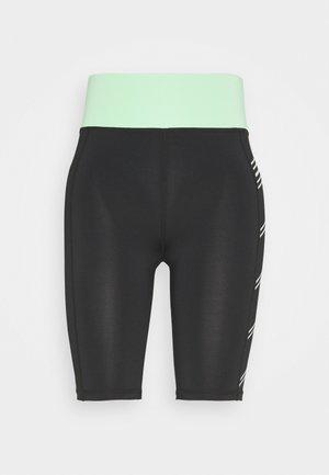 ONPMANON TRAINING SHORTS - kurze Sporthose - black/green ash/white iridesce