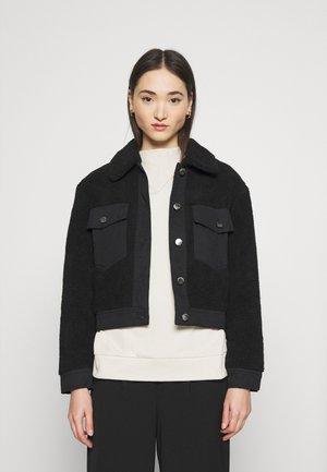 ONLSANDY SHORT JACKET  - Winter jacket - black