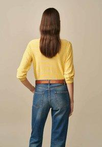 Bellerose - GOPS - Sweatshirt - gelb weiß gestreift - 2