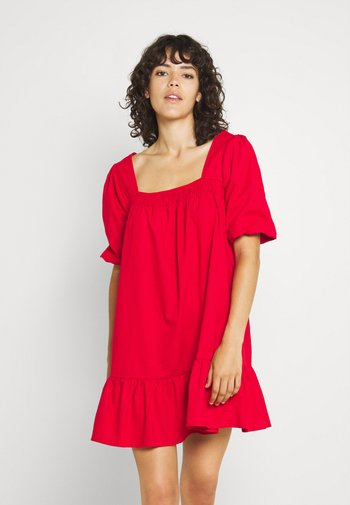 SHIRRED PUFF SLEEVE MINI DRESS - Kjole - red