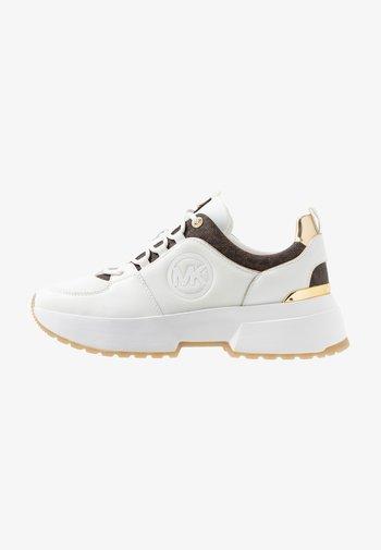 COSMO TRAINER - Zapatillas - bright white