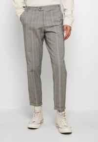 Nerve - DURAN PANTS - Chino kalhoty - grey check - 0