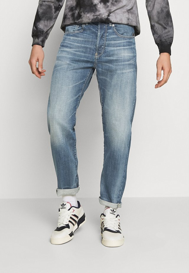 5650 3D RELAXED TAPERED C - Jeans relaxed fit - faded regal blue