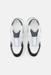 Emporio Armani - Trainers - white/dark blue - 3