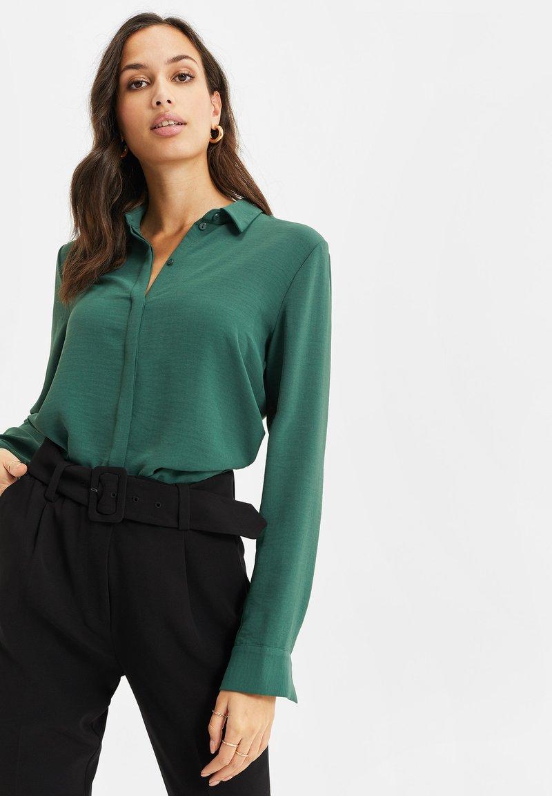 WE Fashion - Button-down blouse - green
