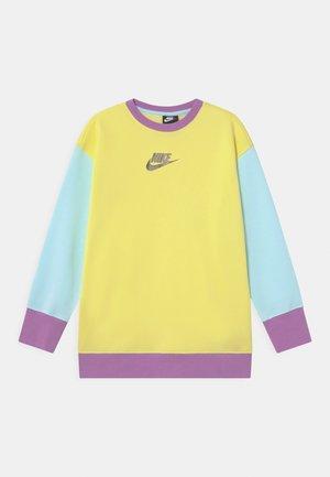 CREW - Sweatshirt - zitron/glacier blue/violet shock