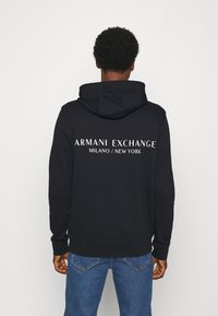 Armani Exchange - Kapuzenpullover - navy - 2