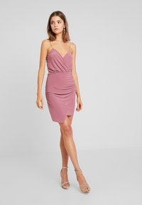Missguided - SLINKY WRAP OVER MINI DRESS - Pouzdrové šaty - rose - 2