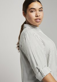 MY TRUE ME TOM TAILOR - Button-down blouse - offwhite rosin stripe - 3