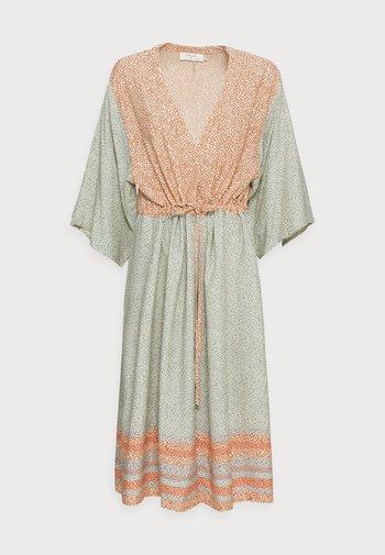 BELLIS KIMONO - Lehká bunda - multi-coloured