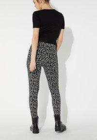 Tezenis - Leggings - Trousers - nero st.little giraffe - 2