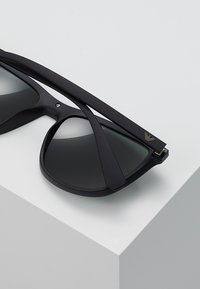 Emporio Armani - Occhiali da sole - matte black - 4