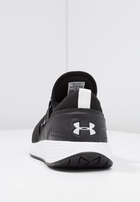 Under Armour - W BREATHE TRAINER - Sportschoenen - black/white - 3