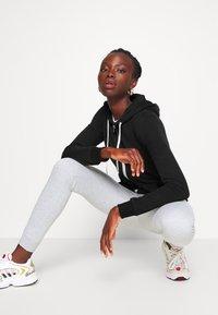 Even&Odd Tall - Zip-up hoodie - black - 3
