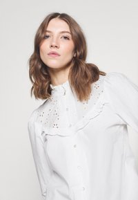 ONLY - ONLNANCY  EMBRODERY - Button-down blouse - cloud dancer - 4