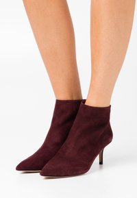 Pura Lopez - Ankle boots - pucce - 0