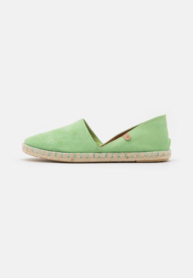 CARMEN - Loafers - menta