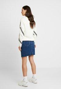 Esprit Maternity - SKIRT - Spódnica jeansowa - medium wash - 2