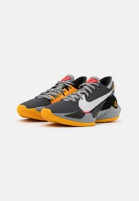 Nike Performance - ZOOM FREAK 2 - Basketball shoes - black/metallic silver/particle grey - 1