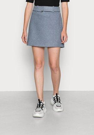Minifalda - bering sea melange