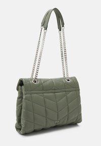 PARFOIS - CROSSBODY BAG DAN M - Across body bag - khaki - 1