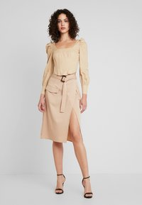 Missguided - CORSET STYLE - Bluse - sand - 1