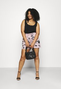 Missguided Plus - RIE DYE RUNNER - Shorts - pink - 1
