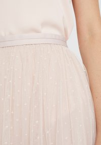 Needle & Thread - KISSES MIDAXI SKIRT - Maxirock - french rose - 5