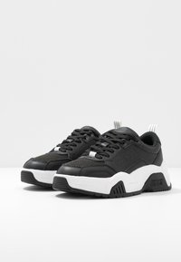 Versace Jeans Couture - LINEA FONDO FIRE ONE - Trainers - nero - 4
