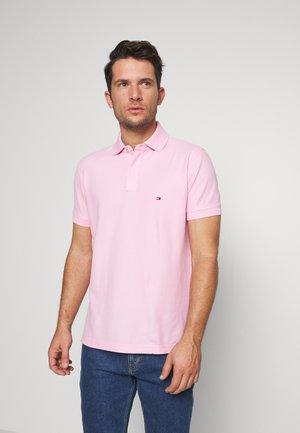 REGULAR - Polo shirt - pink