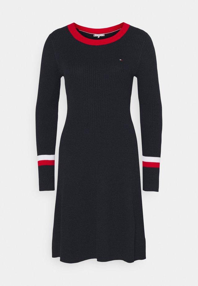 WARM FIT & FLARE DRESS - Sukienka dzianinowa - desert sky