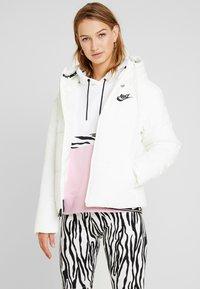 Nike Sportswear - FILL - Giacca da mezza stagione - sail/black - 0