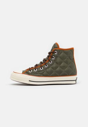 CHUCK TAYLOR ALL STAR 70 UNISEX - Zapatillas altas - field surplus/amber sepia/egret