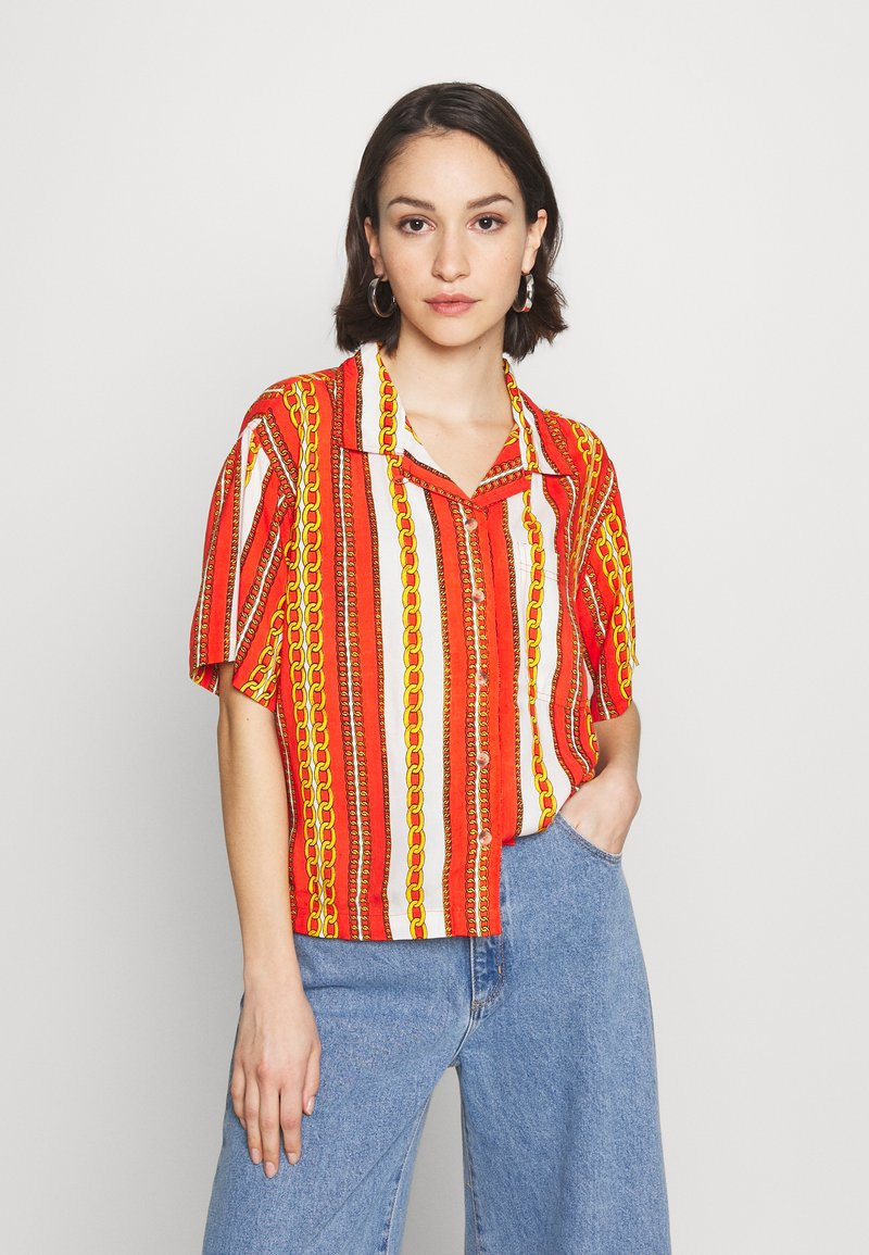 Abrand Jeans - CROPPED HAWAIIAN - Button-down blouse - bombay red