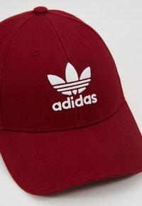adidas Originals - BASE CLASS UNISEX - Caps - burgundy/white - 5