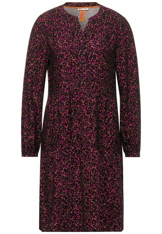 PRINTMUSTER - Gebreide jurk - pink
