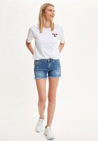 DeFacto - DEFACTO WOMAN BLUE - Denim shorts - blue - 1