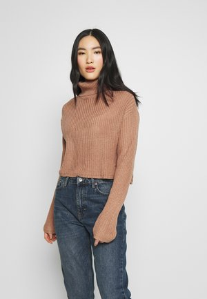 ROLL NECK CROP JUMPER - Svetr - dusty camel