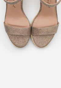 New Look - PERTH  - Sandály na vysokém podpatku - gold - 5