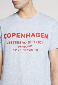 New Look - COPENHAGEN PRINT TEE - Print T-shirt - grey - 4