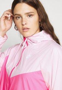 Nike Sportswear - PLUS - Summer jacket - pink foam/hyper pink/white - 4