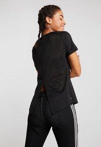adidas Performance - 3S TEE - Camiseta estampada - black - 2