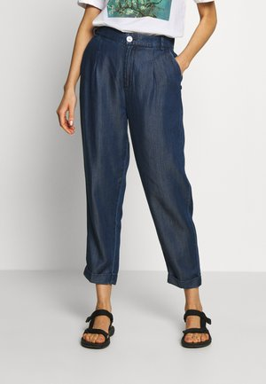 CHINO PANT IN DRAPEY - Trousers - indigo