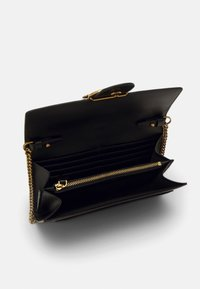 Pinko - LOVE WALLET SIMPLY - Portemonnee - black - 3