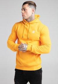 SIKSILK - BASIC OVERHEAD HOODIE UNISEX - Sweatshirt - yellow - 0